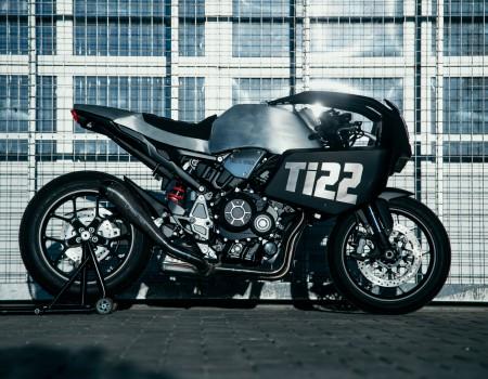 Honda CB1000R – REVERSA